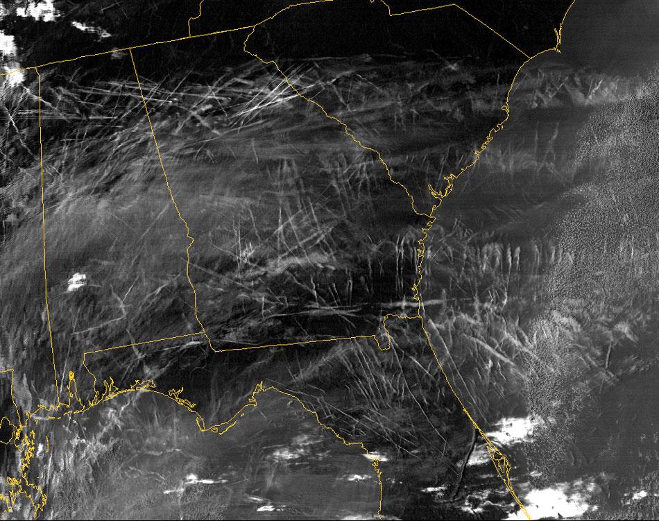 Satellietfoto van chemtrails boven zuid-oost Amerika